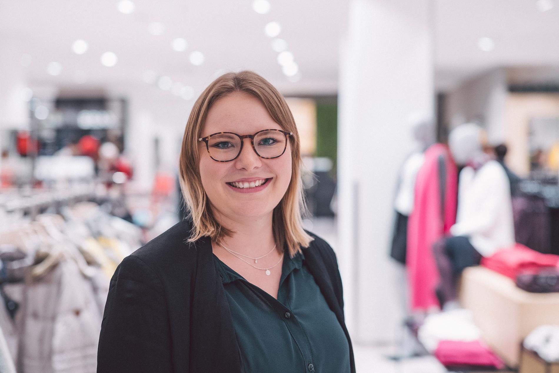 ModehausKuhn-LisaKavcic